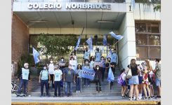 Colegio Norbridge, abanderado en irregularidades